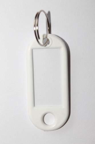 22. Bilétás kulcstartó - fehér